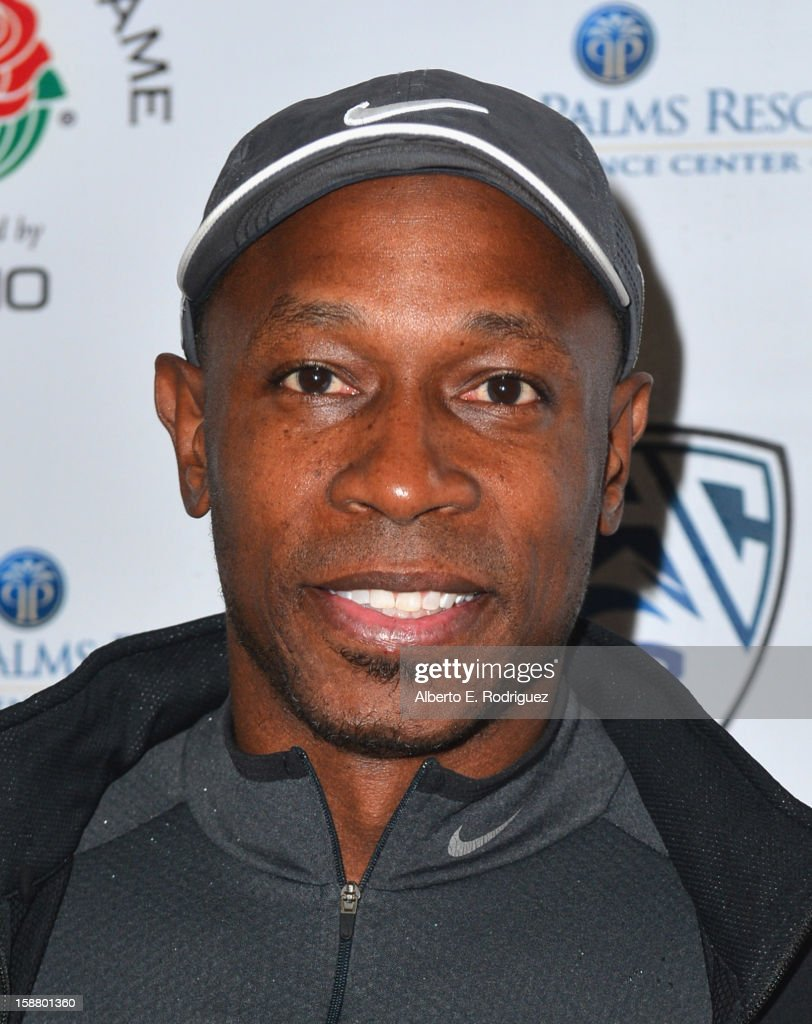 Former MLB player Kenny Lofton arrives to the innaugural Rose Bowl Game Golf Classic at Industry Hills Golf Course on December 29, 2012 in City of Industry, California.