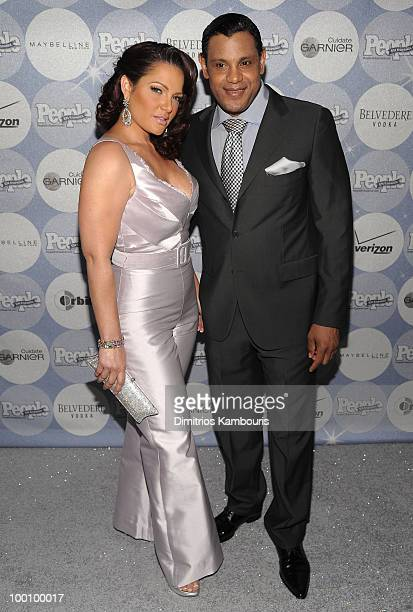 Former MLB player Sammy Sosa and Sonia Sosa attend the People en Espanol Los 50 Mas Bellos party at Gustavino's on May 20 2010 in New York City