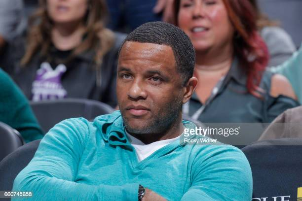 Former NBA player Damon Stoudamire looks on during the game between the Memphis Grizzlies and Sacramento Kings on March 27 2017 at Golden 1 Center in...