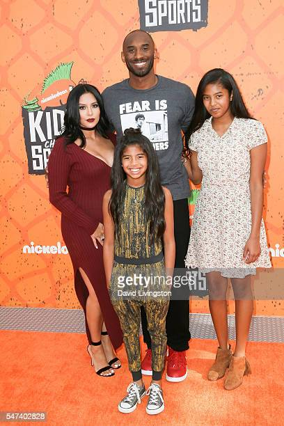 Former NBA player Kobe Bryant and Vanessa Laine Bryant, Gianna Maria-Onore Bryant, and Natalia Diamante Bryant arrives at the Nickelodeon Kids'...