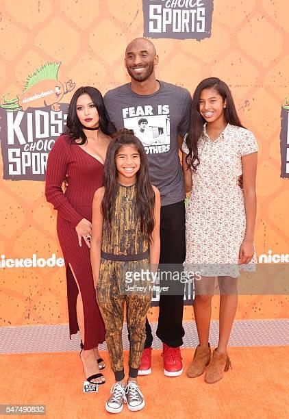 Former NBA player Kobe Bryant wife Vanessa Bryant daughter's Gianna Maria Onore Bryant and Natalia Diamante Bryant arrive at Nickelodeon Kids' Choice...