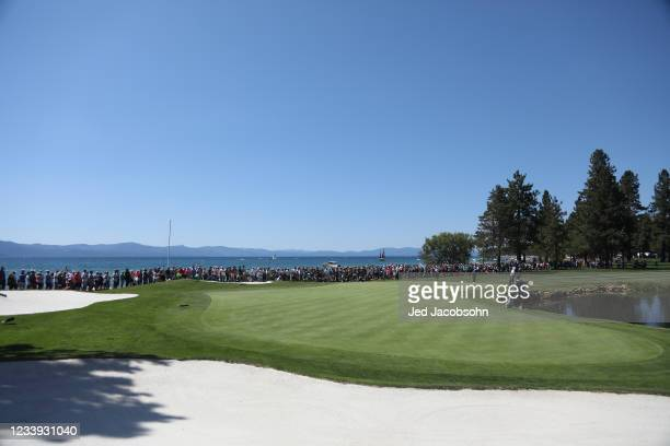 Former NBA player Vinny Del Negro putts on the 18th hole during the final round of the American Century Championship at Edgewood Tahoe South golf...