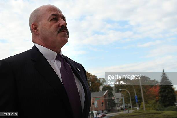 Former New York City police commissioner Bernard Kerik enters the courthouse for a pre-trial hearing on October 20, 2009 in White Plains, New York....