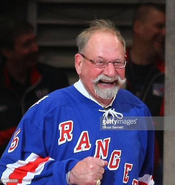 Former New York Ranger Eddie Shack attends the ceremony honoring Andy Bathgate and Harry Howell prior to the game between the Toronto Maple Leafs and...