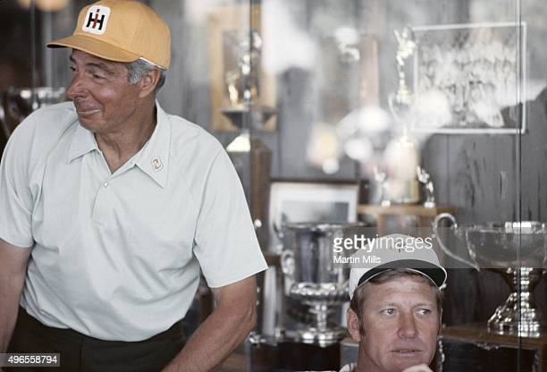 Baseball greats Joe DiMaggio and Mickey Mantle pose for a photo circa 1975