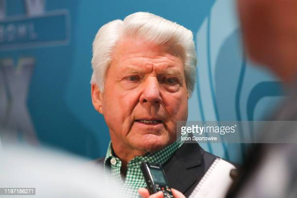 Former NFL coach and FOX NFL SUNDAY Analyst Jimmy Johnson during the Super Bowl LIV FOX Sports Media Day on January 28 2020 at the Miami Beach...