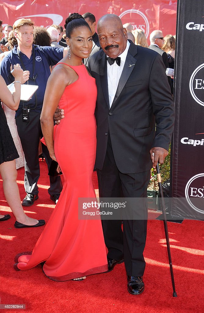 Former NFL football player Jim Brown arrives at the 2014 ESPY Awards at Nokia Theatre L.A. Live on July 16, 2014 in Los Angeles, California.
