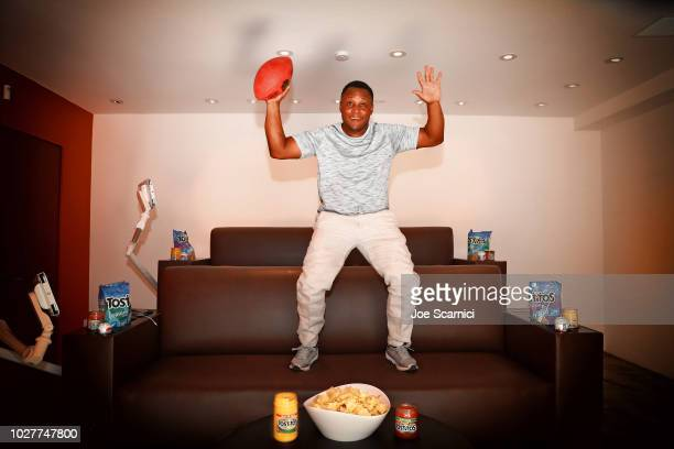 Former NFL Legend Barry Sanders has perfected the art of the Homegate and the Tostitos Stadium Sofa takes viewing parties to the next level on August...
