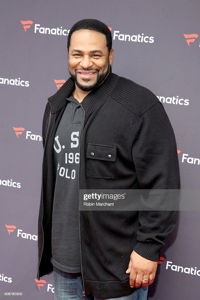 Former NFL player Jerome Bettis attends Fanatics Super Bowl Party on February 6, 2016 in San Francisco, California.