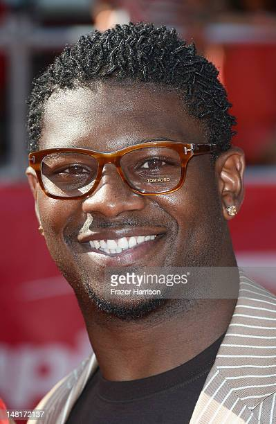 Former NFL Player LaDanian Tomlinson arrives at the 2012 ESPY Awards at Nokia Theatre LA Live on July 11 2012 in Los Angeles California