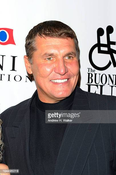 Former NFL player Mark Rypien attends the 25th Great Sports Legends Dinner to benefit The Buoniconti Fund to Cure Paralysis at The Waldorf=Astoria on...