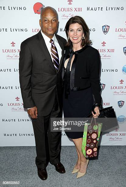 Former NFL player Ronnie Lott and Karen Lott attend Haute Living And Louis XIII Celebrate Jim Brown's 80th Birthday on February 4 2016 in San...