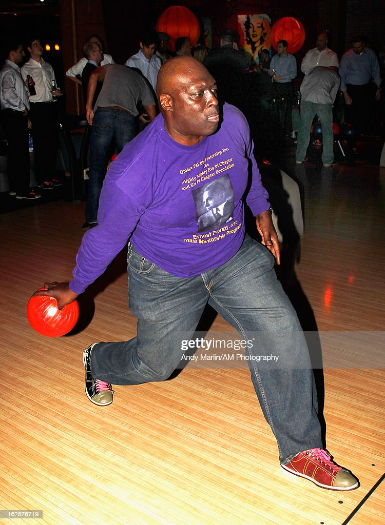 Former NFL running back Ottis Anderson bowls during the John Starks Foundation Celebrity Bowling Tournament on February 25, 2013 in New York City.
