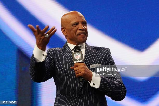 Former NFL wide receiver Drew Pearson speaks during the first round of the 2018 NFL Draft at ATT Stadium on April 26 2018 in Arlington Texas