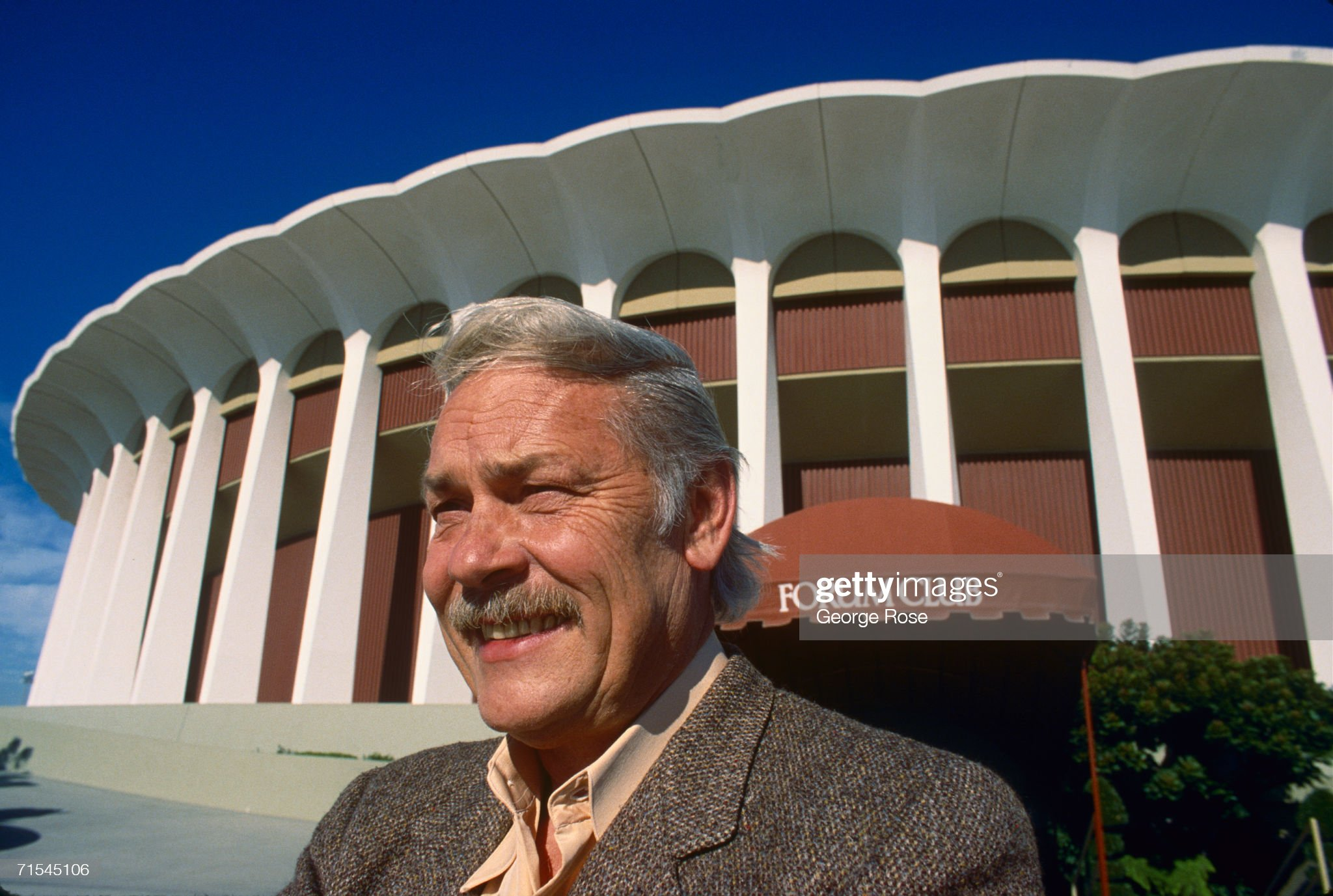 NHL & NBA Owner Jerry Buss Portrait Session : News Photo