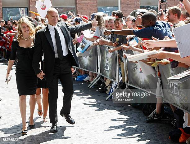 Former NHL player Mark Messier and his wife Kim arrive at the 2009 NHL Awards at the Palms Casino Resort on June 18 2009 in Las Vegas Nevada