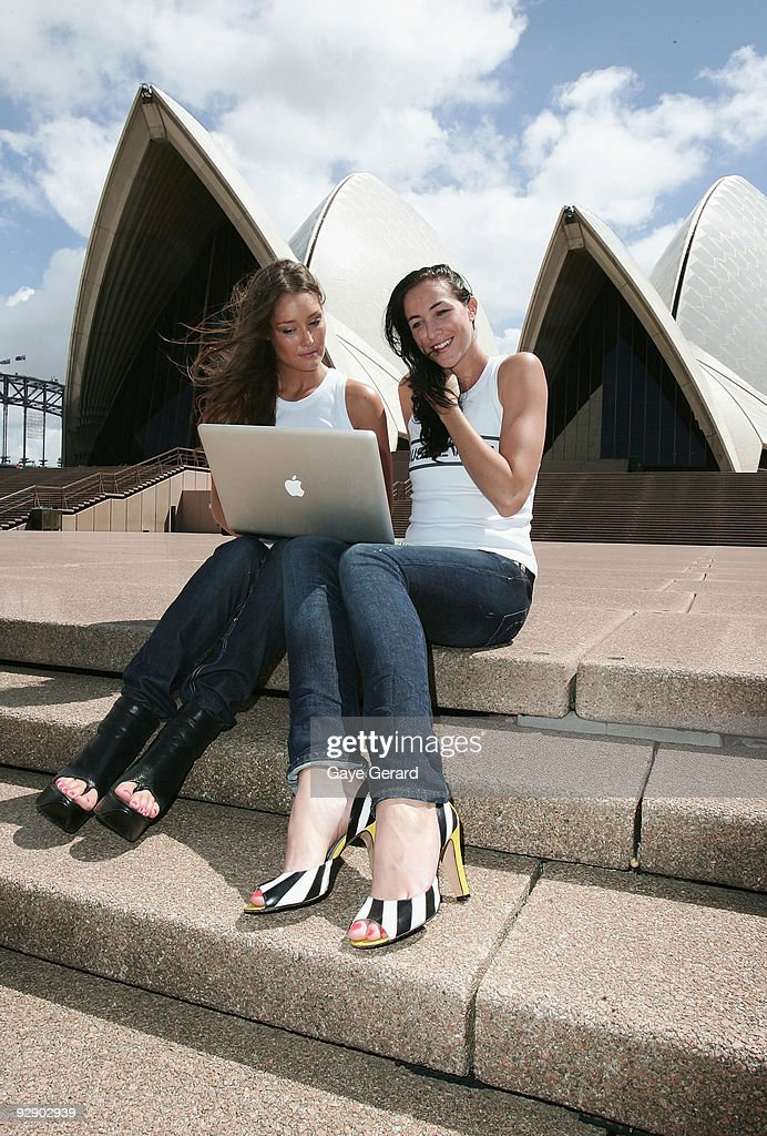 Erin McNaught & Elka Whalan Launch Australiana Website : Foto jornalística