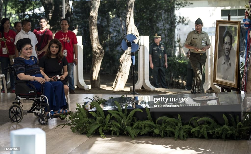 PHILIPPINES-POLITICS-HEROES' DAY-MARCOS : News Photo