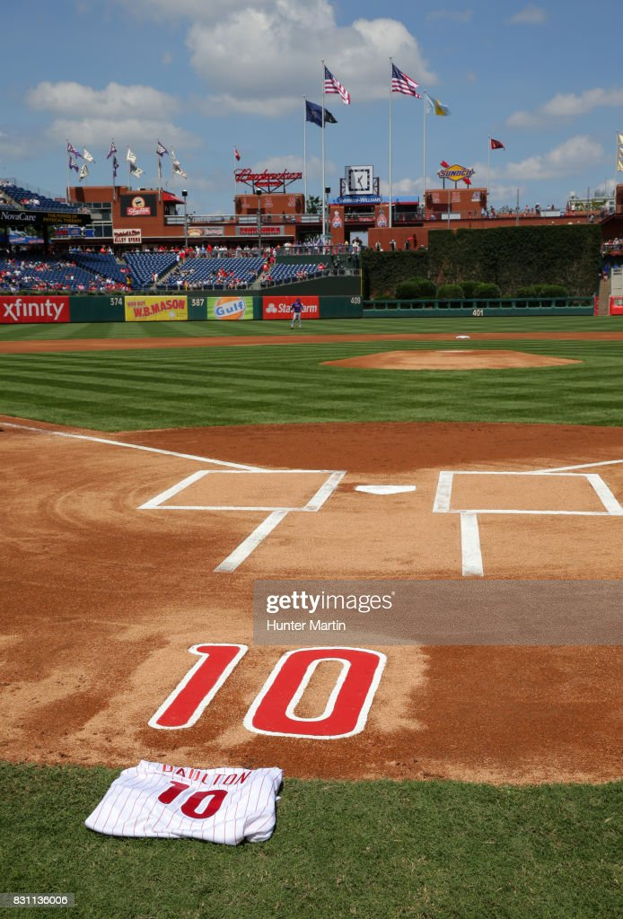 Former Phillies catcher Darren Daulton #10 is remembered before a game between the Philadelphia Phillies and the New York Mets at Citizens Bank Park on August 13, 2017 in Philadelphia, Pennsylvania. The Mets won 6-2.