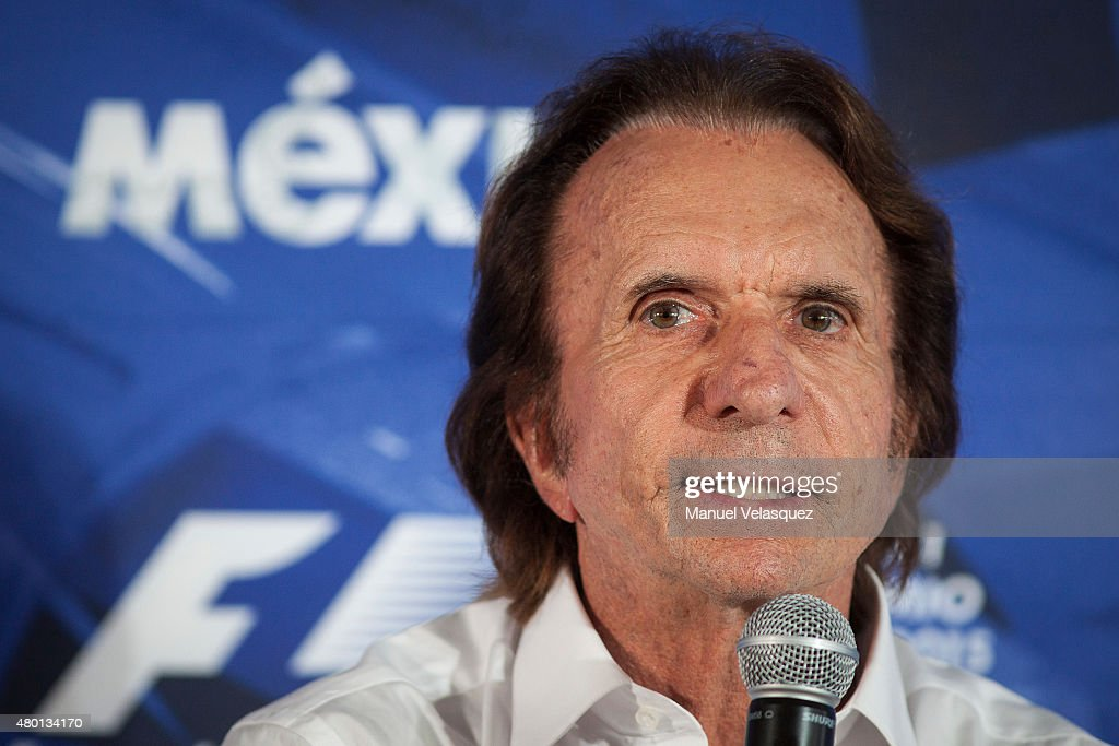 Emerson Fittipaldi Visits Hermanos Rodriguez Racetrack