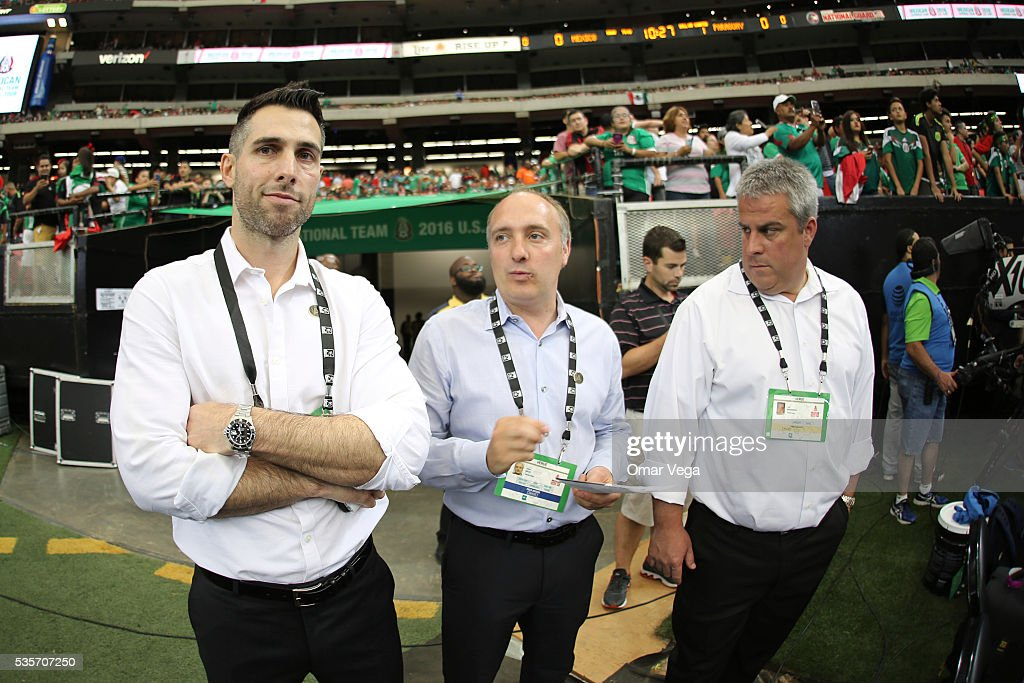 Former player Carlos Bocanegra and United Atlanta President, Darren Eales pose during the International Friendly between Mexico and Paraguay at Georgia Dome on May 28, 2016 in Atlanta, Georgia.