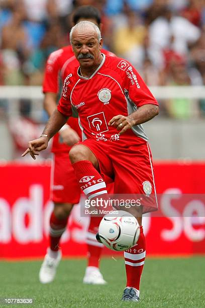 Former player Junior in action during the Jogo das Estrelas Charity Soccer Match between CR Flamengo Stars and Friends of former Brazilian player...