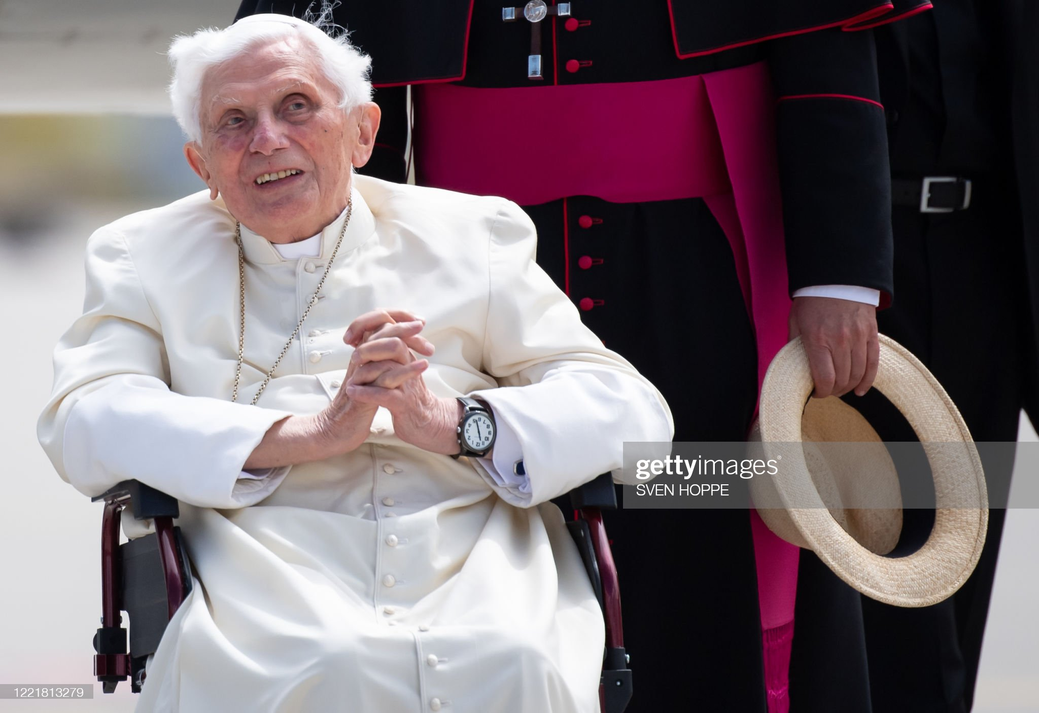 former-pope-benedict-xvi-poses-for-a-pic