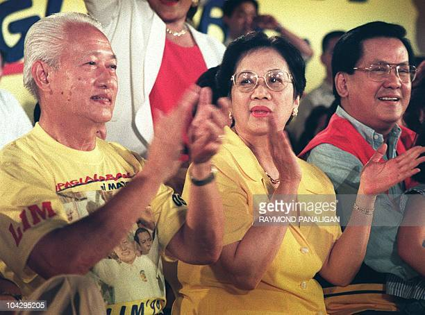 Former president Corazon Aquino campaigns for crime busting Manila Mayor Alfredo Lim as the presidential candidate under the Liberal Party during a...
