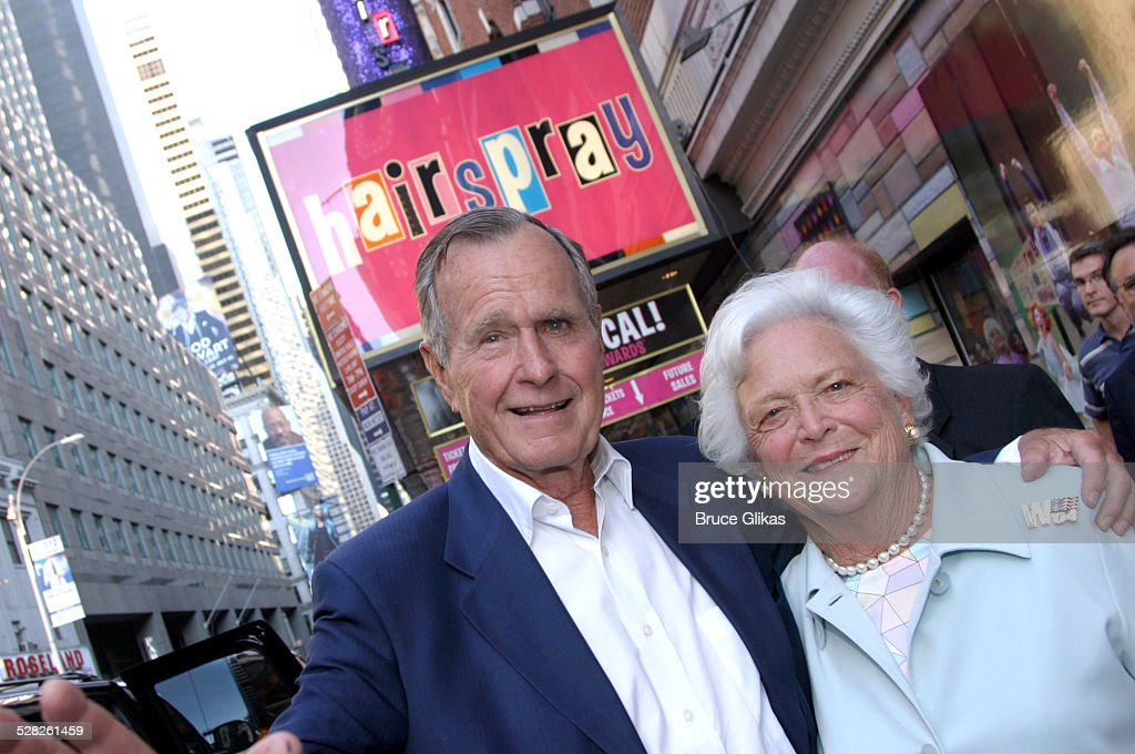 George and Barbara Bush Attend Hairspray on Broadway - September 1, 2004 : News Photo