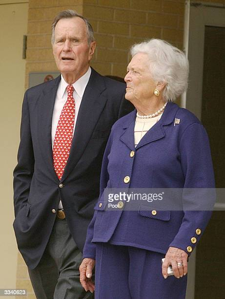 Former President George Bush Sr and his wife Barbara leave Darnall Army hospital April 11 2004 after visiting injured soldiers from Iraq with...