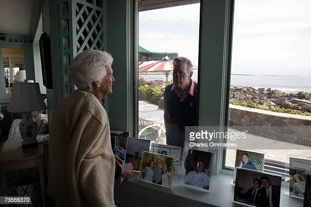 Former President George Herbert Walker Bush and First Lady Barbara Bush September 30 2003 at their home 'Walkers Point' Kennebunkport Maine The...