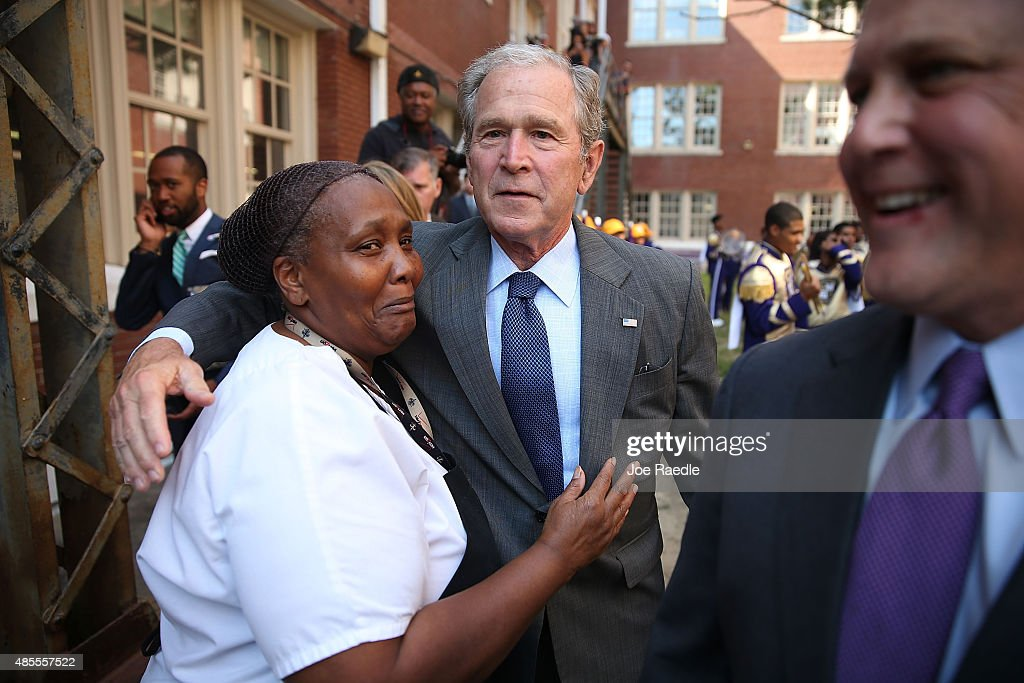 Former President Bush And Laura Bush Visit Charter School In New Orleans : News Photo