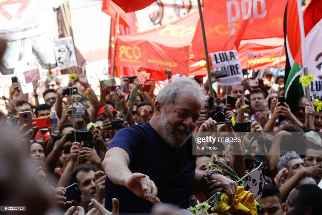 Protest against the arrest of former President Lula in Sao Paulo : News Photo