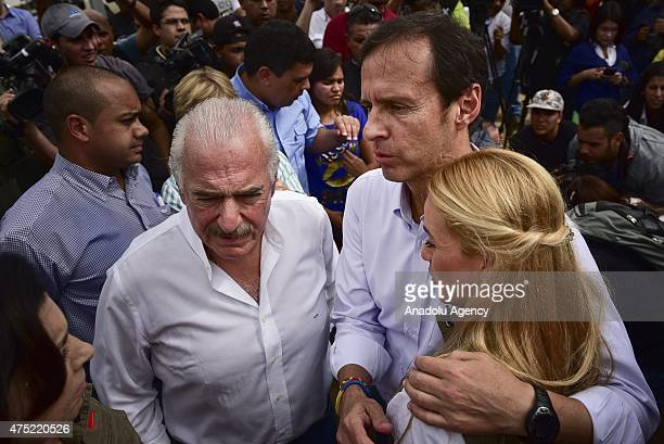 Former president of Bolivia Jorge Quiroga and former President of Colombia Andres Pastrana and Lilian Tintori stand outside the Ramo Verde prison...