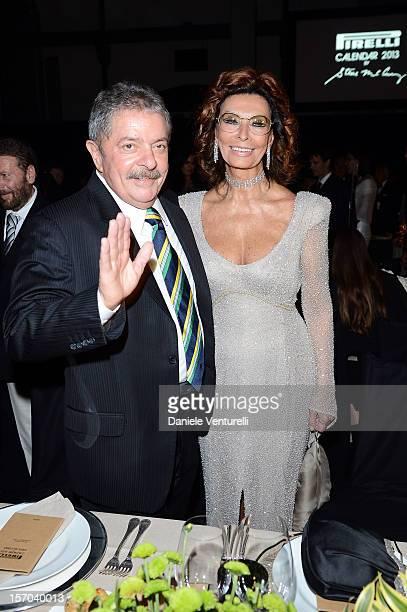 Former President of Brazil Luiz Inacio Lula da Silva and Sophia Loren attend the '2013 Pirelli Calendar Unveiling' on November 27 2012 in Rio de...