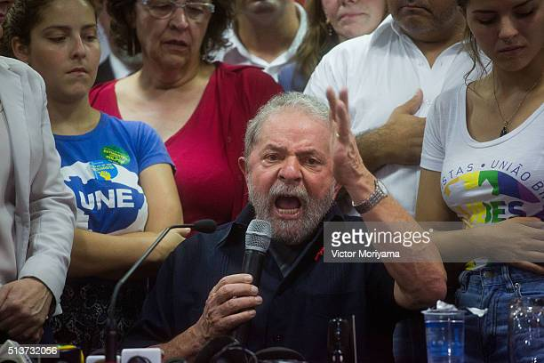 Former President of Brazil Luiz Inacio Lula da Silva speaks during a press conference at the Partido dos Trabalhadores headquarters on March 4 in Sao...