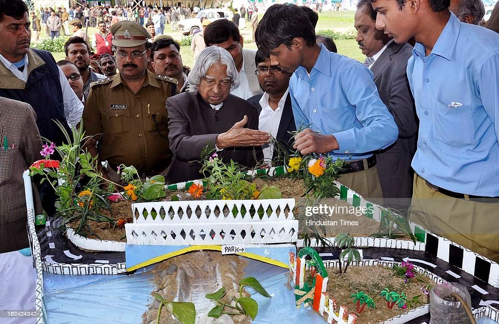 apj abdul kalam inaugurates ghaziabad science exhibitionの写真および