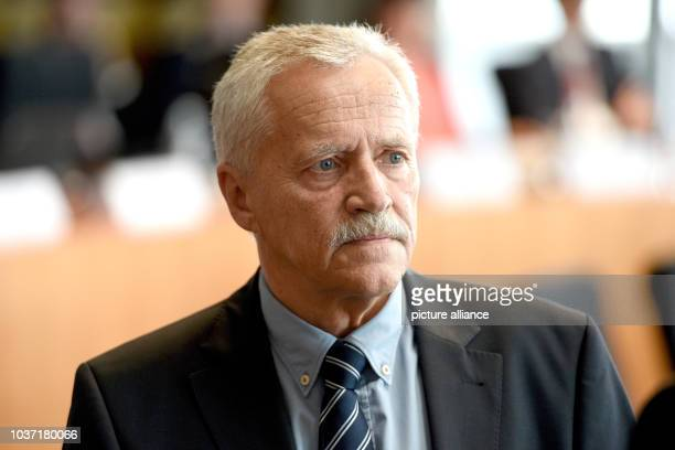 Former President of the Federal Office for the Protection of the Constitution Heinz Fromm waits for his examination as a witness by the NSA...