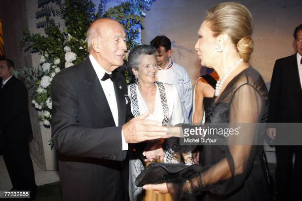 Former President Valery Giscard d'Estaing his wife AnneAymone Giscard d'Estaing and Farah Pahlavi Empress of Iran attend the Fondation Pour L'Enfance...