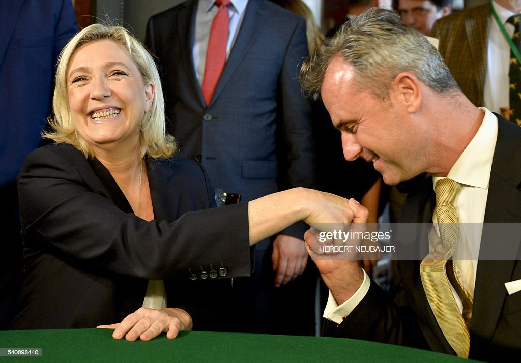 AUSTRIA-EU-FRANCE-FARRIGHT : News Photo