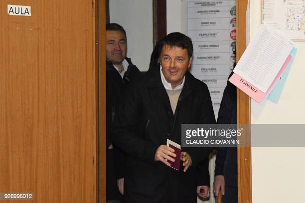 TOPSHOT Former Prime Minister and leader of the Democratic Party Matteo Renzi arrives to vote for general elections on March 4 2018 at a polling...