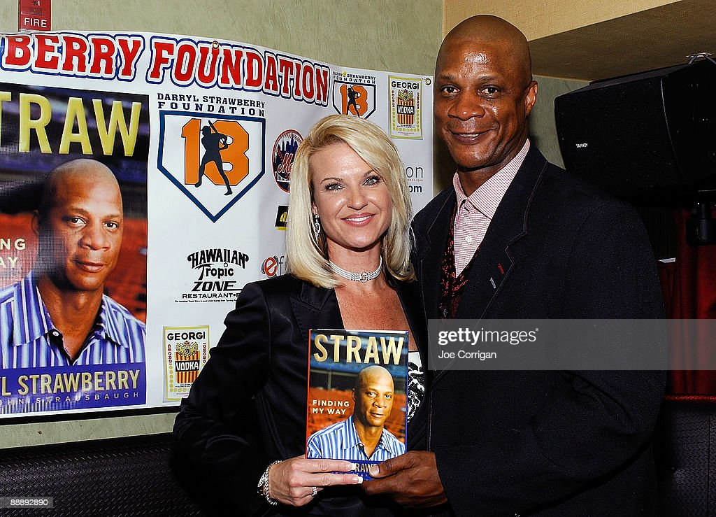 """Darryl Strawberry's """"Straw: Finding My Way"""" Book Release Party : News Photo"""