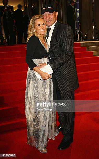 Former pro boxer Axel Schulz and pregnant Patricia Reich attend the Goldene Henne 2009 awards at Friedrichstadtpalast on September 30 2009 in Berlin...