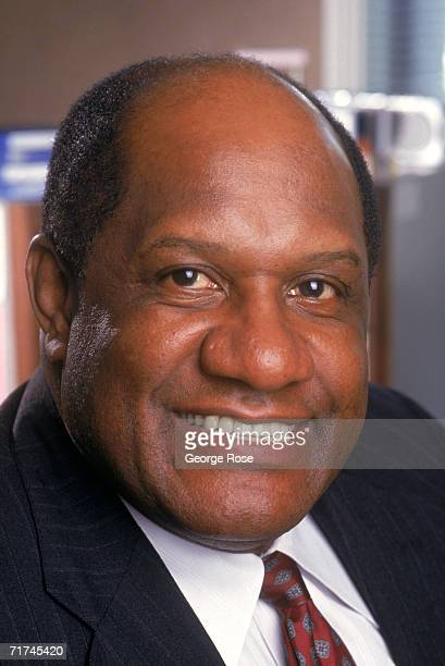 Former pro football player Willie Davis poses for a photo at his radio station KACE in November of 1990 in Los Angeles California Davis played for...