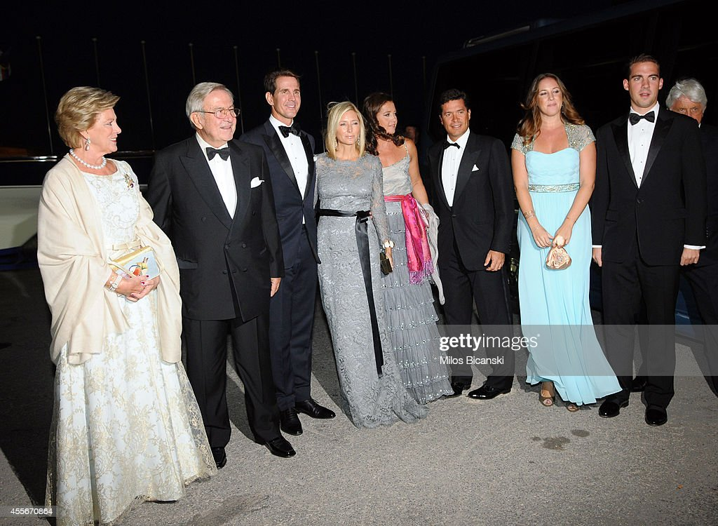 Former Queen Anne-Marie of Greece, former King Constantine II of Greece, Crown Prince Pavlos of Greece, Crown Princess Marie-Chantal of Greece, Princess Alexia of Greece and Denmark, her husband Carlos Morales Quintana, Princess Theodora of Greece and Denmark and Prince Philippos of Greece arrive for a private dinner organized by former King Constantine II of Greece and former Queen Anne-Marie to celebrate their Golden wedding anniversary at the Yacht Club of Greece in Piraeus, Greece, 18 September 2014.Photo by Milos Bicanski/Getty Images)
