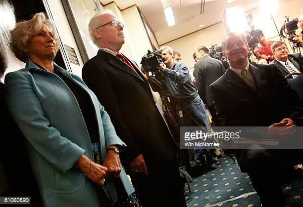 Former Rep Bob Barr and his wife Jeri wait to be introduced at a news conference to announce his candidacy for President of the United States May 12...