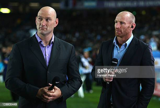 Former rugby internationals Lawrence Dallaglio of England and Gareth Thomas of Wales talk prior to quarter final four of the 2011 IRB Rugby World Cup...