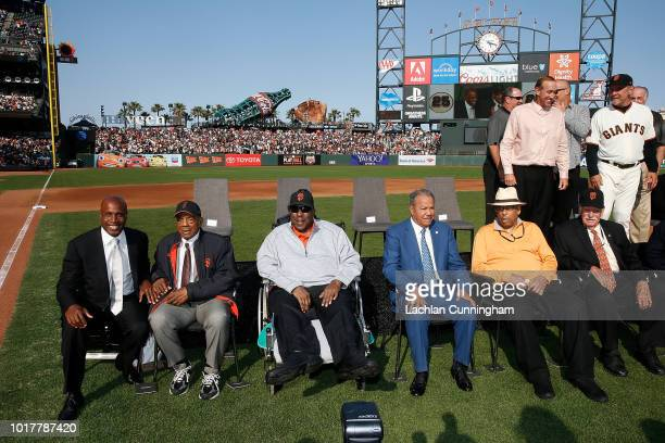 Former San Francisco Giants player Barry Bonds poses for a photo with Willie Mays Willie McCovey Juan Marichal Orlando Cepeda and Gaylord Perry...