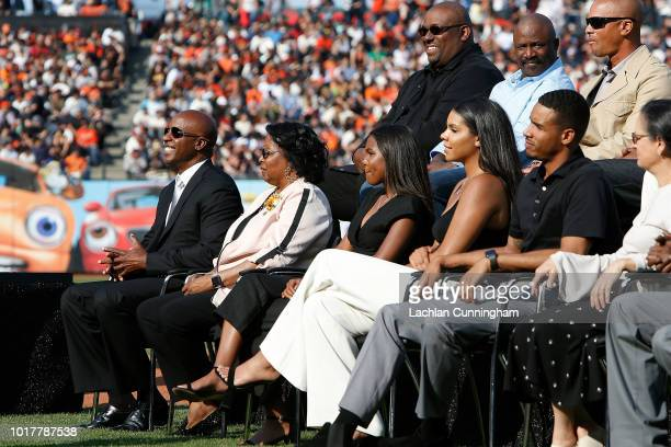 Former San Francisco Giants player Barry Bonds with his mother Pat and children Aisha Shikari and Nikolai during a ceremony to retire Barry Bond's...