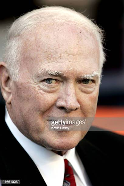 Former Seahawks head coach Chuck Knox on the sidelines before being honored by the Seattle Seahawks Arizona Cardinals vs Seattle Seahawks at Qwest...